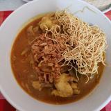 タイ北部チェンマイの郷土料理 カオソーイ