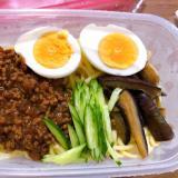 ジャージャー麺のピリ辛弁当