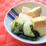 レンジで簡単!高野豆腐と玉ねぎとわかめの煮物