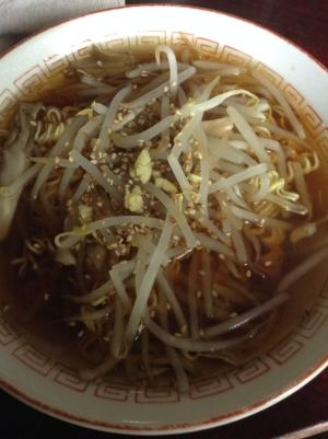 モヤシと舞茸の生姜ラーメン