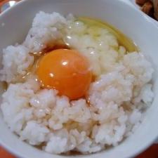 ゴマ風味卵かけごはん。