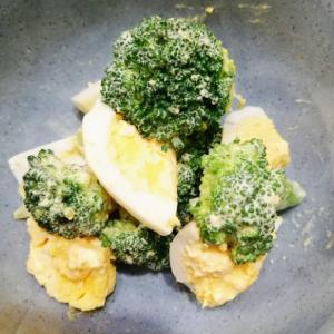 ブロッコリーと卵のマヨカレーサラダ