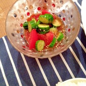 トマトとキュウリの麺つゆゴマサラダ