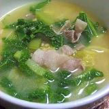 簡単 カツオ菜と白菜の豚汁