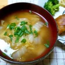 白菜たっぷり味噌汁