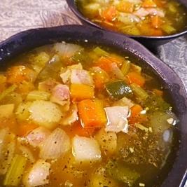 野菜たっぷりコロコロスープ