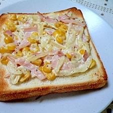 コーンとクリームチーズのトースト
