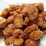 少量油で揚げる鶏の唐揚げ