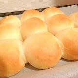 しっとり甘〜い♡練乳&生クリーム入りちぎりパン