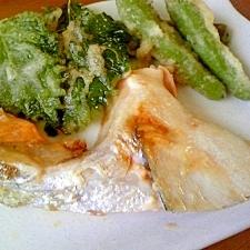 鮭カマの 塩焼き