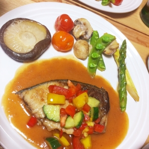 ブリのムニエル❀簡単バルサミコ野菜ソース