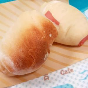 ホームベーカリーで!巻き巻き魚肉ソーセージパン♪