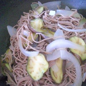 野菜入り茹でそば