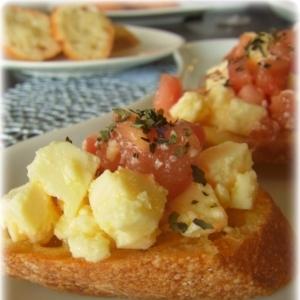 チーズ&トマトのブルスケッタ