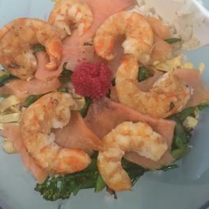 プリプリ海老でチラシ寿司