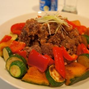 ラム肉の唐揚げ 夏野菜のソテーと共に