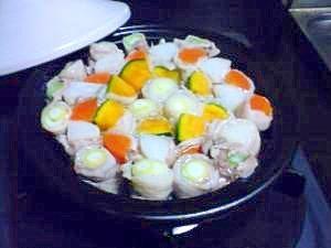 ひとくち肉巻き野菜鍋