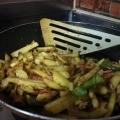 簡単美味しい☆ベーコンとジャガイモのカレー炒め♪