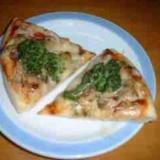 アサリとブロッコリーのピザ