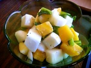 柿とカブとりんごのサラダ
