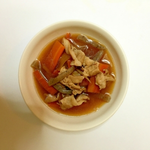 豚肉と根菜の味噌汁