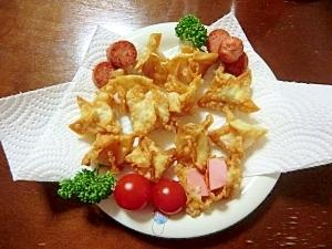 簡単おつまみ。魚肉ソーセージの包み揚げ