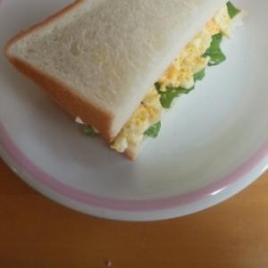 サンドイッチ☆卵カレーサンド