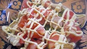 「ホタテとサラダ昆布、トマトのマヨポン和え」