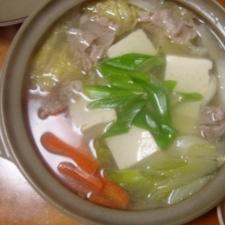 野菜たっぷり!豆腐と豚肉の鍋