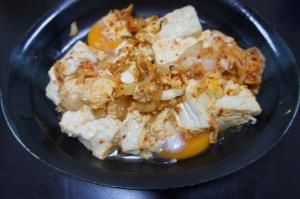 豆腐とキムチの卵とじ