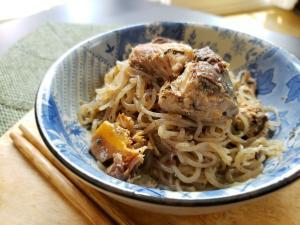 【独居自炊】サバ缶と糸こんにゃくの炒り煮