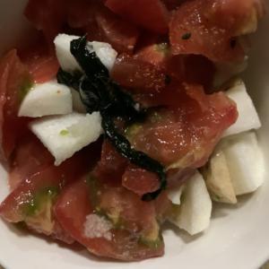 トマトと長芋の煮汁わかめ和え