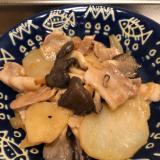 馬鈴薯でカサ増し♪豚肉と平茸のオイマヨ七味炒め♪