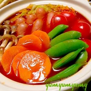 トマト鍋です☆情熱の赤鍋w!見て食べてほっこり♪♪