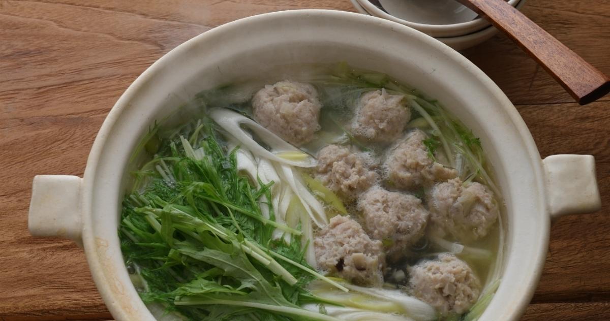 出汁がきいて美味しい♪ふわふわの鶏団子と水菜のはりはり鍋風で体ポカポカ