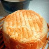 鋳物鍋で全粒粉入り食パン