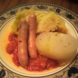 トロトロ新たまねぎとキャベツのトマトソース添え