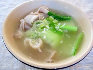 青梗菜と豚肉のスープ
