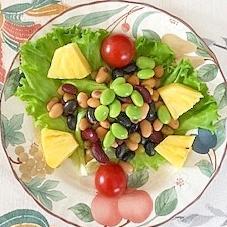 蒸しサラダ豆に、枝豆、パイン、ミニトマト
