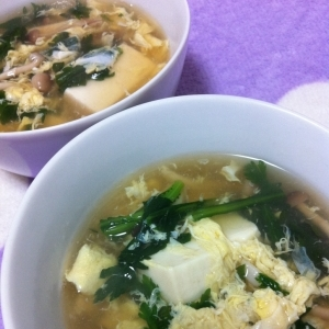春菊と豆腐のスープ