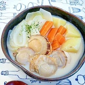 塩麹でアッサリ♪帆立と根菜の☆豆乳スープ