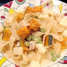 カボチャとえんどう豆のクリーミーフィットチーネ