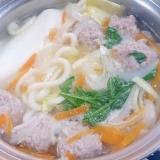 豚のひき肉でつみれ団子の中華スープ鍋