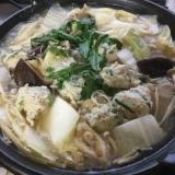 鶏団子の白味噌鍋