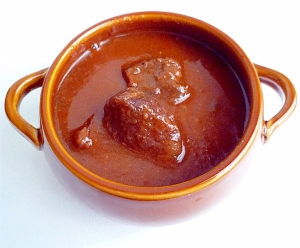 赤ワインと葡萄ジュースで作るビーフシチュー