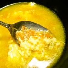 バターでまろやか☆人参丸ごと1本使った味噌汁♪