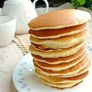 やさしい甘さ♪洋菓子用米粉で作るバナナパンケーキ