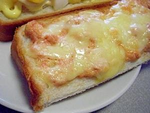 鉄板の美味しさ!明太子マヨネーズのチーズトースト♪