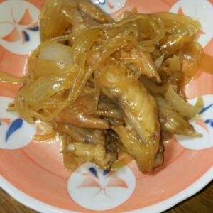 鶏ガラと糸こんにゃくと玉ねぎの煮物