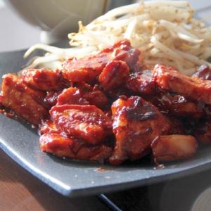 甘辛の赤味噌仕立て『味噌焼肉』